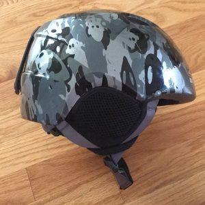 Giro Slingshot Ski / Snowboard Helmet